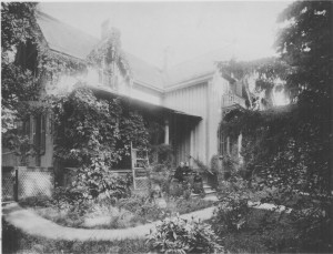 Rest Cottage with Willard, Anna Gordon and Mary Thompson Hill Willard